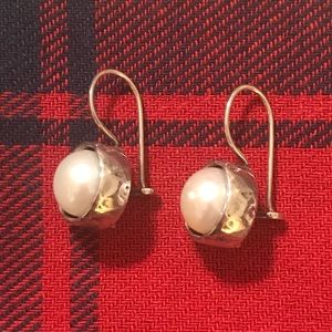 Rare! Silpada W1750 pearl and sterling earrings.